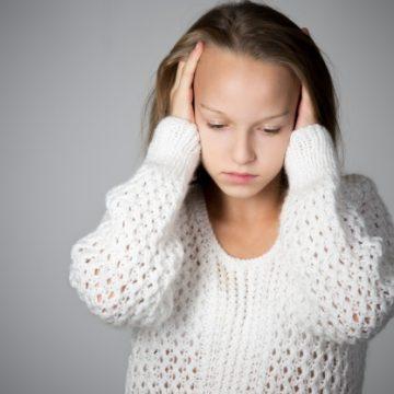 איך מתמודדים עם בעיות שמיעה בגיל ההתבגרות?